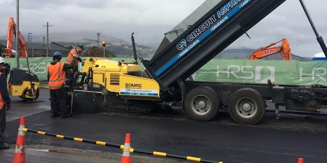 asphalt laying